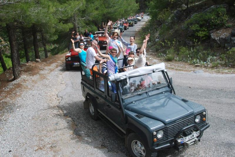 Jeep Safari Program – Obzor